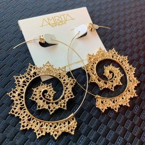 Amrita Singh Aria Spiral Gold Filigree Earrings